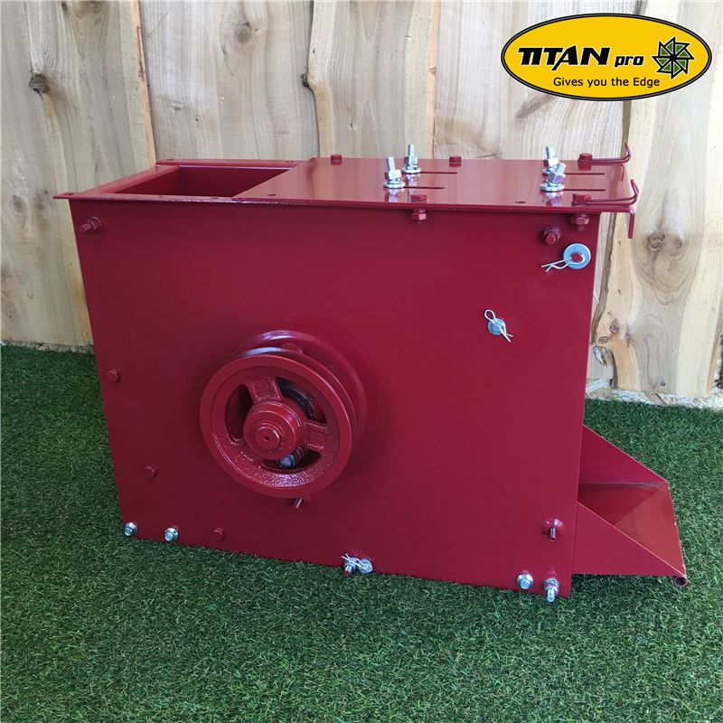 Order a This Titan Pro complete lower chipping chamber for our 7HP petrol garden mulchers - this is an original direct replacement; being complete it is just a matter of swapping the engine, hopper and wheels over before you are up and running!