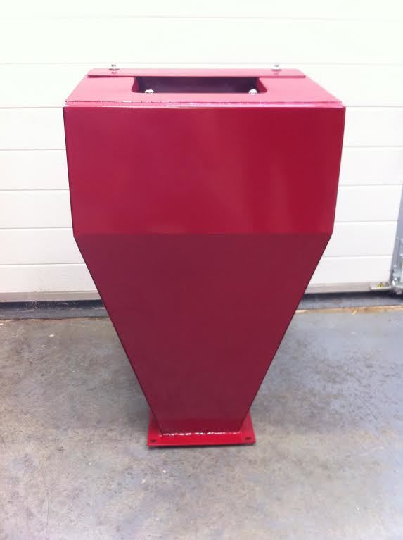 Order a Genuine replacement hopper for the 6.5HP and 7HP range of petrol garden chippers.