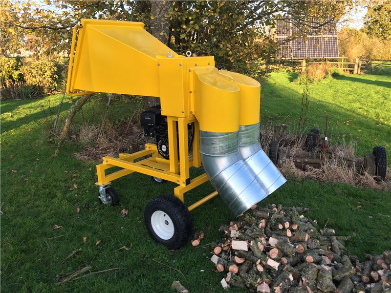 Order a The latest addition to the Titan Pro range comes in the form of our branch logger. Running on the trusted Lifan 15HP four-stroke engine, this machine will make short work of the logs thrown at it!