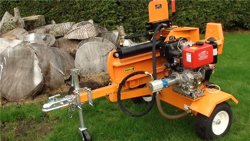 Order a The Trailable 30 Ton Log Splitter from Titan Pro  is the biggest diesel towable log splitter in our range. With a splitting speed of 6.5cm/sec and the ability to cut logs of up to 450mm, you will get your logs chopped in no time! Ideal for the professional gardener. You can purchase the Log Splitter with the option of a diesel or petrol engine.