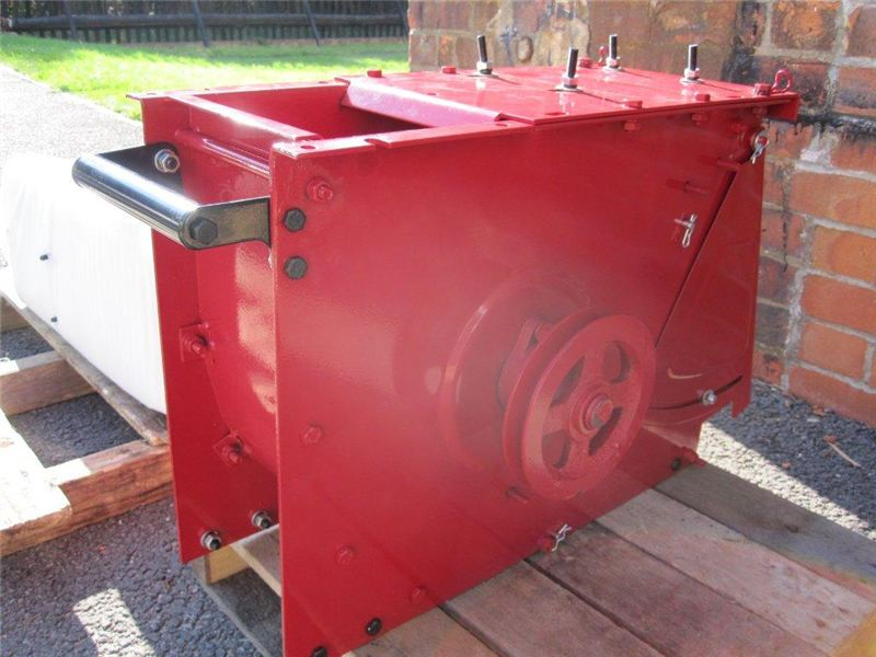 Order a This Titan Pro complete lower chipping chamber for our 14HP petrol garden mulcher is an original direct replacement; being complete it's just a matter of swapping the engine, hopper and wheels over before you are up and running!