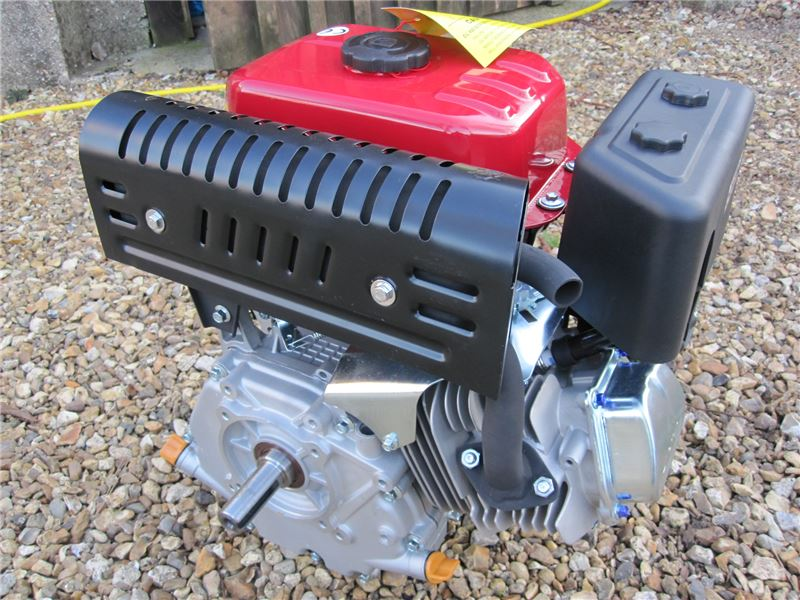 Order a This 15HP Engine is suitable for chippers, shredders and loads of other garden machinery. These 15HP engines have fantastic power and have been proven in the UK for nearly 10 years, at 1/3 of the price of a GX Honda! These small petrol engines are also fantastic for Go Karts and many other machines for which a small petrol engine is required.