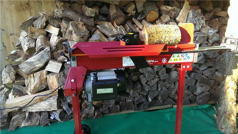 Order a The Titan Pro 7 Ton Electric Log Splitter is an electrically-powered hydraulic unit with a 3 horse power 2200 watt power unit. This wood splitter will effectively chop and split wood with the greatest of ease and is designed for heavy duty domestic use. This 7 Ton Titan Hydraulic Log Splitter includes a unique movable stand, which provides adequate working height for the user.