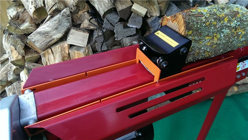 Order a For use with the Titan Pro 4-7 Ton Splitters (sold separately), this easy-to-use Log Splitter Ram Stop Kit enables the user to pre define the position where the ram returns to, thus speeding up the splitting process dramatically. The Ram Stop Kit can be fitted to your Log Splitter in 4 minutes and will save you hours of work not having to wait for the ram to come to the splitting position when you are splitting the smaller logs.